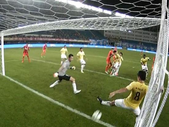 进球视频-米西角球精准空袭 张成林头槌入近角