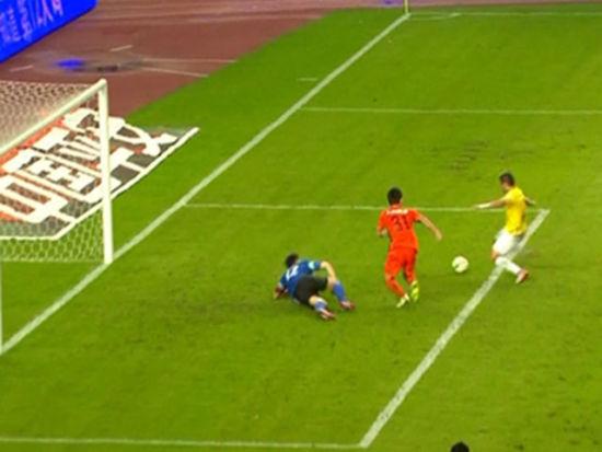 进球视频-丹尼尔2连击被扑 埃弗顿抢点补空门