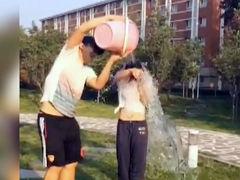 何雯娜冰桶挑战撕心尖叫