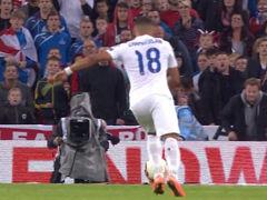 视频-英格兰好球被吹 张伯伦抽射拉拉纳破门无效