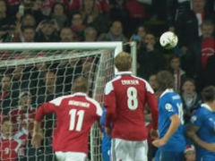 视频-埃里克森任意球中柱 意大利幸运逃过一劫