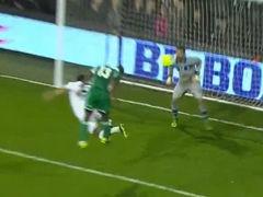 进球视频-意大利后防盯人失误 迪克头球扳平比分