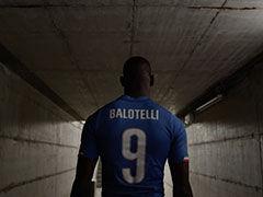 视频-意大利发布2014世界杯战袍 巴神诠释地中海蓝