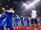 视频-小德和球童大跳江南style 搞笑舞姿引满堂彩