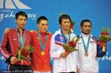散打男子56公斤级李新杰夺冠