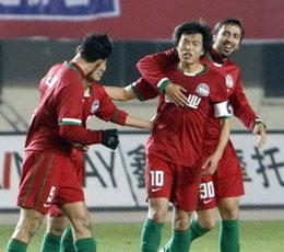 力帆后卫自摆乌龙超级替补添花河南主场2比0重庆