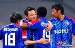 姜坤造乌龙萨梅隆扩大比分上海2比0深圳联赛首胜