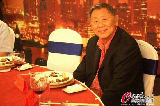 就在今年9月,患病在身的王后军还出席了上海明星体育联谊汇慈善晚会
