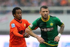 中超-卡努特破门格隆争议红牌国安客场1-0卓尔