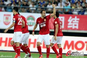 中超-吉拉迪诺两球恒大2-1阿尔滨领先国安7分