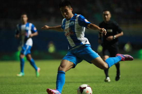 王晓龙是鲁能培养的球员