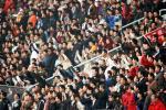 图文-[中超]青岛中能0-0上海申花球迷激情四溢