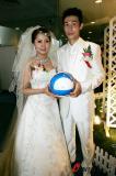 图文-曹阳天津举行婚礼曹阳婚礼也忘不了足球