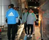 图文-北京国安征战亚冠抵达蔚山黄博文随队抵达