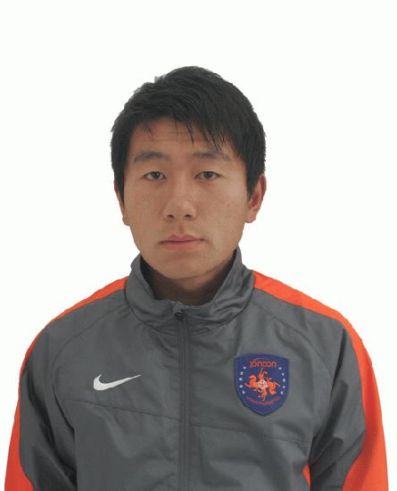 图文-2010赛季青岛中能队成员照 7号姚江山