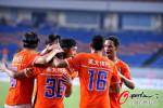 图文-[中超]重庆VS山东 山东外援莱昂庆祝进球