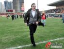 图文-[中超]山东1比1南昌提前夺冠 伊万奔跑庆祝
