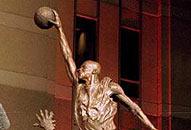 NBA老照片-公牛王牌第一次退役飞人雕像永远伫立