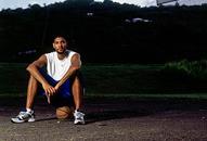 NBA老照片-远离硝烟悠然自得邓肯最爱这刻的篮球