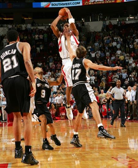 NBA老照片-当时就是这样麦蒂神迹让老天都感动哭了