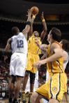 图文-[NBA]步行者115-109魔术霍华德封盖小奥尼尔