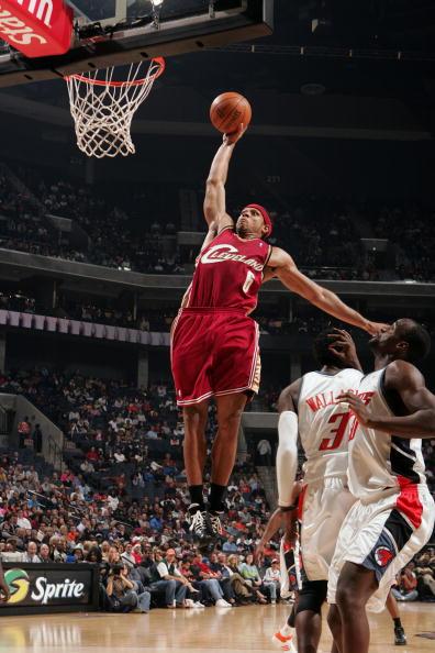 图文-[NBA常规赛]骑士93-96山猫吉布森滑翔上篮