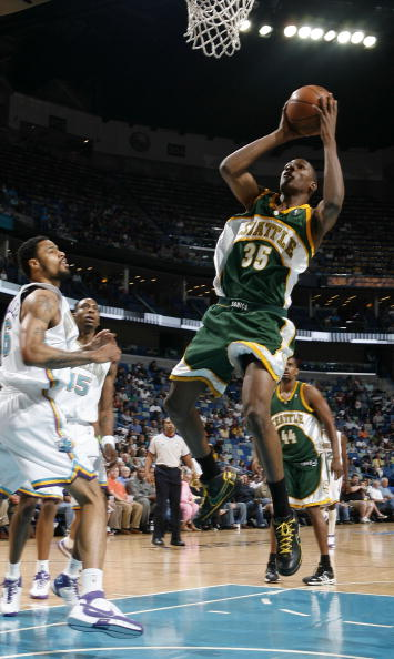 图文-[NBA]超音速88-91黄蜂杜兰特杀进内线