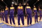 图文-[NBA常规赛]勇士vs湖人紫金军团亮相
