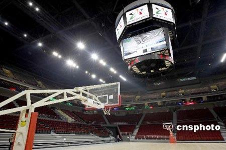 图文-五棵松篮球馆内外全景 大屏幕提供观赛方便