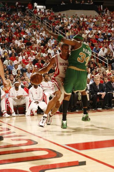 图文-[NBA常规赛]凯尔特人vs火箭巴蒂尔强突皮尔斯