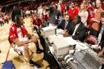 图文-[NBA]爵士69-95火箭麦蒂赛后接受采访
