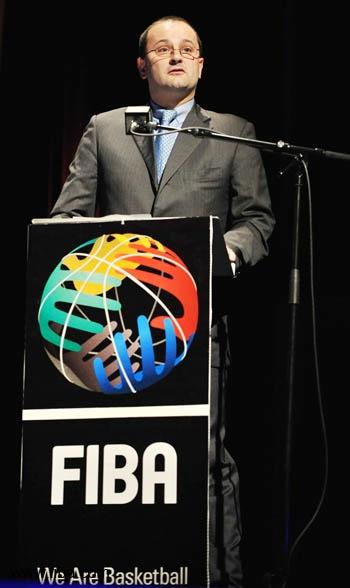 图文-三国竞逐2014世锦赛主办权FIBA秘书长鲍曼