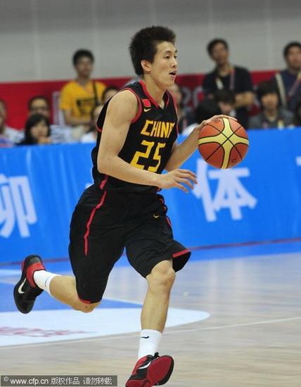 图文-[斯杯]中国男篮VS伊朗郭艾伦运球飞奔