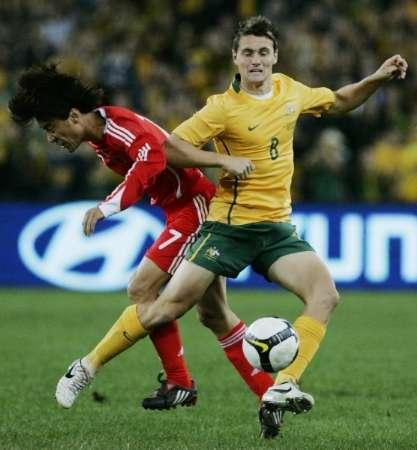 图文-[世预赛]澳大利亚VS中国队肖战波PK霍兰德