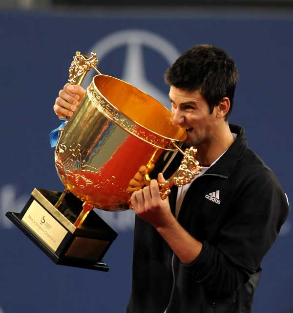 0中国网球公开赛奔驰_新一代奔驰GLK下线亮相2012中国网球公开赛