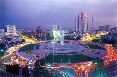 钢城鞍山:中国最大的钢铁工业基地 沈大黄金带支点