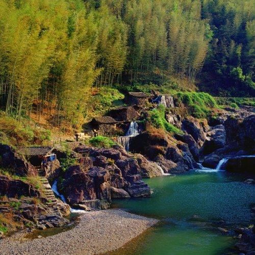 泽雅景区千姿百态 山水一体的自然景观让你流连忘返