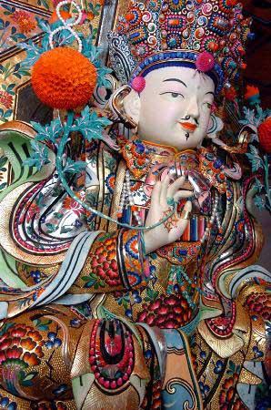 西宁景点:藏传佛教圣地塔尔寺 可可西里无人区