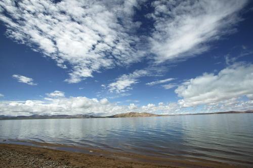 青海湖简介:中国最大内陆咸水湖 环湖赛成青海名片