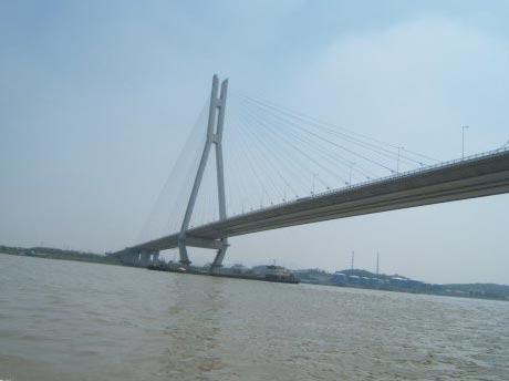 南京景点:金陵十八景雨花台 大桥横跨长江天堑