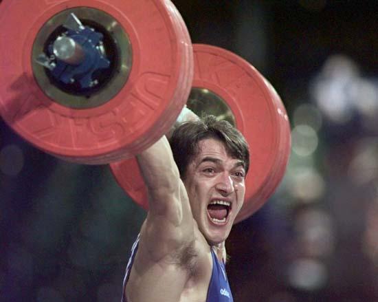 资料图-奥运史上精彩瞬间迪马斯欢呼打破纪录