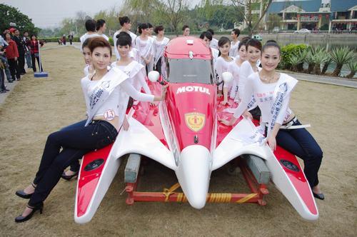 F1摩托艇推广大使出炉大连选手潘雪莹获得冠军