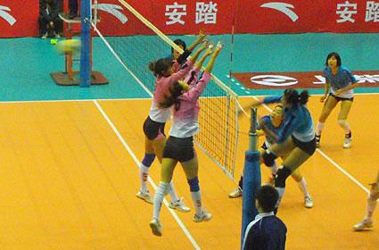 08-09赛季全国女排联赛A组第13轮:河北1比3负山东
