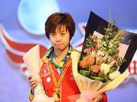 总冠军赛-张怡宁轻取李晓霞第二次捧起大王者杯