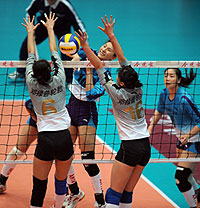 天津女排主场发威胜上海总决赛2比1领先卫冕在望