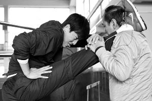 """刘翔坦言过去想法很""""愚昧""""心情大好请队友吃饭"""