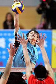 男排联赛总决赛首战八一遭逆转上海主场3比1取胜