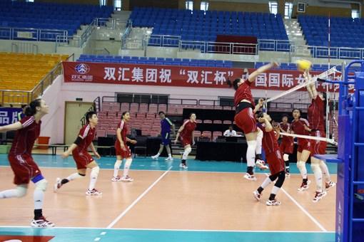 中国队备战女排精英赛分组对抗主力阵容浮现(图)