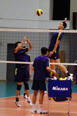 中国男排出征亚洲杯名单调整三副攻梁春龙在列