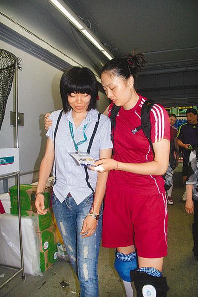 女排香港首训主力阵容几无调整名将张萍探班(图)